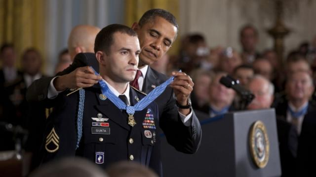 Afghanistan and iraq medal of honor recipients for Michael j arlen living room war